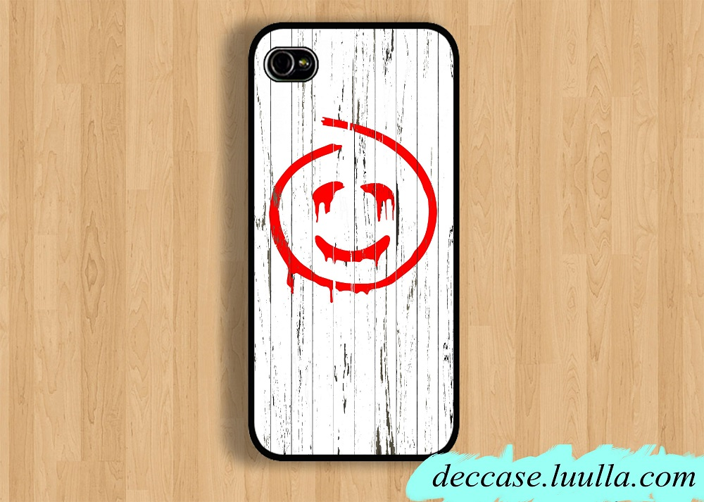 A mobile phone case for sale on Luulla